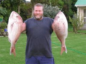 Les Thompson 7/5/05 - Tongoporutu 4.45kg Snapper & 4.48kg Snapper